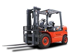 LG50DT龙工5吨内燃平衡重式柴油叉车