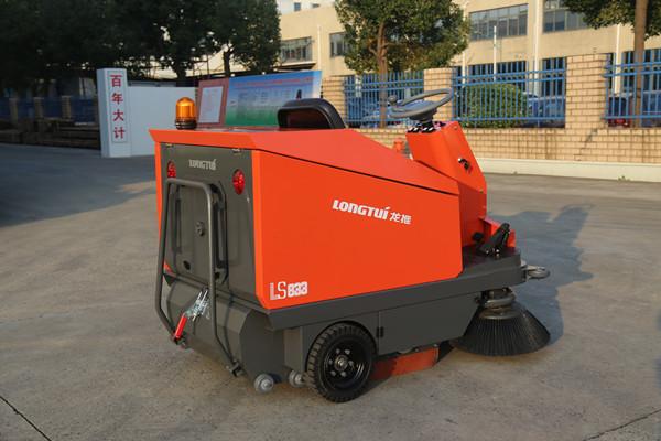 驾驶式扫地机(LS833)-南京工厂扫地机