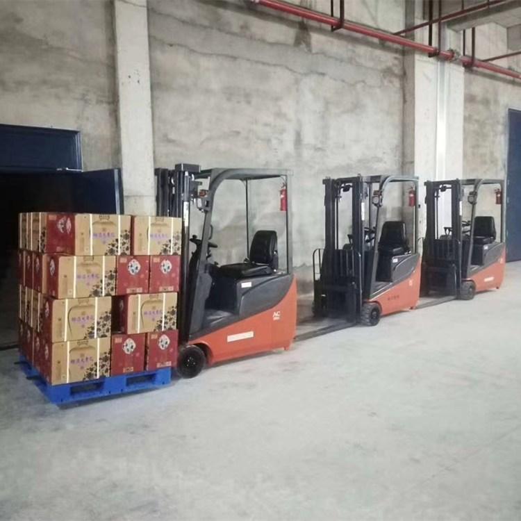 三支点电动堆高车-座驾式电动堆高车